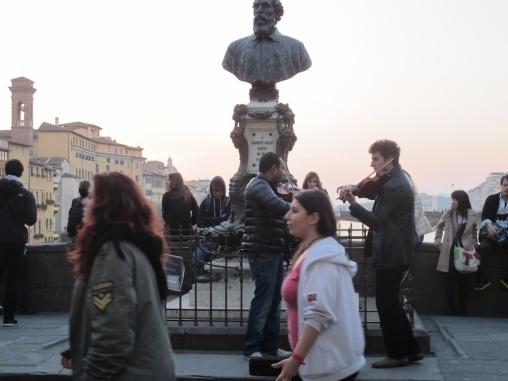 Puente Vecchio. Busto de Cellini