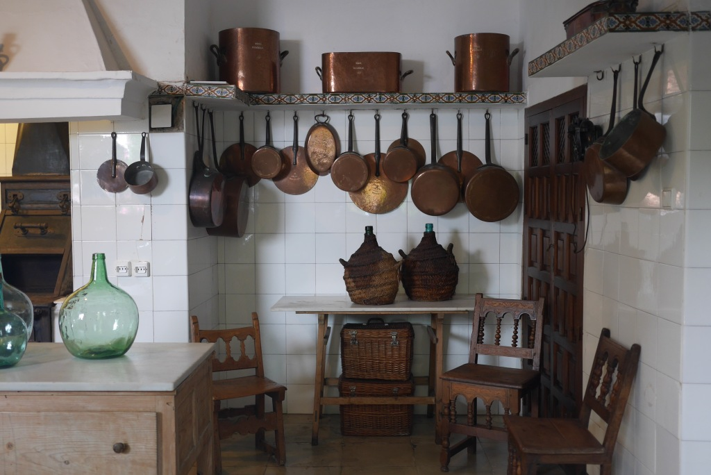 Cocina del Patio de los Gatos. Viana. C.